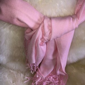 PASHMINA in pink, worn one time